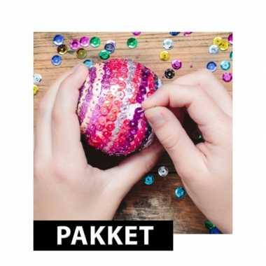 Diy pailletten kerstballen van 12 cm maken
