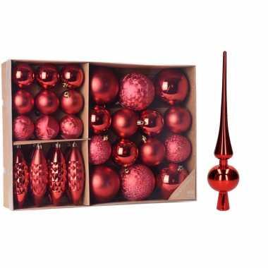 Kerstboomversiering pakket rode kunststof kerstballen. kerstornamenten en piek