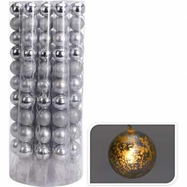 Kerstverlichting kerstballen zilver slinger met led