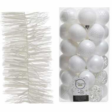 Set van 37x winter witte kerstballen 6 cm en witte kerstslinger 270 cm kerstboom