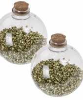 2x doorzichtige fles kerstballen 8 cm glitter goud kunststof kerstversiering