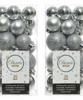 52x zilveren kerstballen 3 en 4 cm glanzende matte glitter kunststof plastic kerstversiering