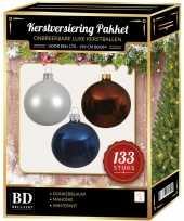 Complete kerstballen set 133x wit mahonie bruin donkerblauw voor 180 cm kerstboom