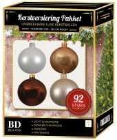 Complete kerstballen set champagne wit beige mahonie bruin voor 150 cm kerstboom