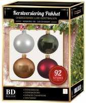 Complete kerstballen set wit beige donkerrood donkergroen voor 150 cm kerstboom