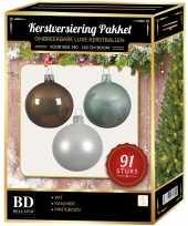 Complete kerstballen set wit mintgroen kasjmier bruin voor 150 cm kerstboom