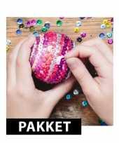 Diy pailletten kerstballen van 7 cm maken