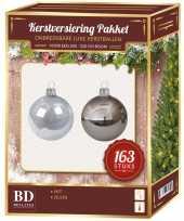 Kerstballen en kerstversiering set voor 210 cm boom zilver wit