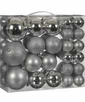 Kerstballenpakket 46x zilveren kunststof kerstballen mix
